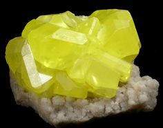 yellow sulfur | Bright Yellow Sulfur on Aragonite from Agrigento District (Girgenti ...
