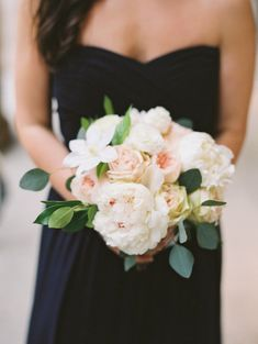Pale pink and white summer bouquet: http://www.stylemepretty.com/illinois-weddings/chicago/2015/09/04/garden-inspired-wedding-at-river-roast-chicago/ | Photography: Britta Marie - http://brittamariephotography.com/