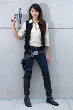 Female han solo - now that's an idea for an Halloween costume :)