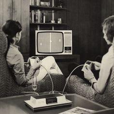 Un peu de WTF dans notre tableau Décoration salon #gif #vintage :) https://fr.pinterest.com/bonjourbibiche/d%C3%A9coration-salon/