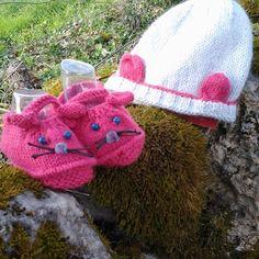 Bonnet chaussons naissance-3 mois laine tricot main layette cadeau noël  bébé cadeau de naissance. Un grand marché ce6cc611703