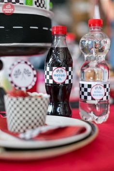 10 deco tips for racers birthday party - Auto Party, Race Car Party, Race Cars, Hot Wheels Party, Cars Birthday Parties, Diy Birthday, Simple Gifts, Easy Gifts, Birthday Gifts For Bestfriends