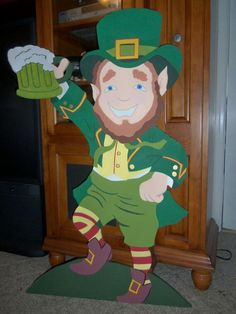 Reserved listing for Scott Flaherty Leprechaun w/ cup of Ale Wood Craft Patterns, Wooden Pattern, Wood Yard Art, Wood Art, Leprechaun, Irish Celebration, St Patrick's Day Decorations, St Paddys Day, Christmas Wood