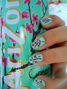I love doing nails, but never know what design I should do other than the boring old plain colors. My friend, just recently, did her nails like the design on the can of Arizona Tea. Love Nails, How To Do Nails, Pretty Nails, Fun Nails, Sassy Nails, Arizona Green Teas, Arizona Tea, Arizona Juice, Green Tea Nails