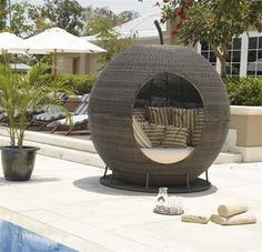 Rattan daybed like egg for garden furniture