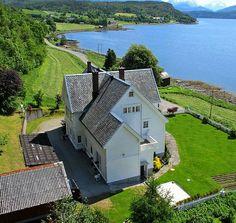 Villa Rønnan / Gullkongens hus, Stangvikvegen 677, 6642 Stangvik, Norway
