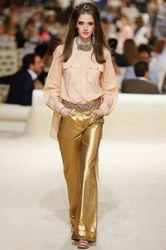 Chanel Resort 2015 Fashion Show - Josephine van Delden Chanel Resort, Chanel Cruise, Chanel Dubai, Chanel 2015, Fashion Week, Runway Fashion, High Fashion, Fashion Show, Womens Fashion