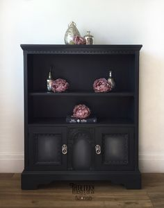 This bookcase has been painted in Wise Owl 'Carbon'. Then I blended in some 'Gray Linen' on the door fronts. The piece is finished with Wise Owl black glaze and matte varnish. UK stockist of Wise Owl products 🖤 Upcycled Furniture, Furniture Projects, Furniture Makeover, Wood Furniture, Painting Furniture, Diy Projects, January Colors, Black Painted Furniture, Decoupage Tissue Paper