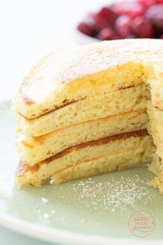 Die besten Pancakes (Grundrezept) | Backen macht glücklich Vanilla Cake, Muffins, Good Food, Food And Drink, Snacks, Breakfast, Ethnic Recipes, Desserts, American