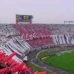 River Plate, il romanzo rojo y blanco dall'inferno al paradiso Football Stadiums, Football Fans, Ultras Football, Cool Pictures, Cool Photos, Milan, Chelsea, Football Casuals, Association Football
