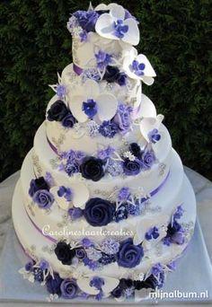 purple flowers wedding or engagement cakes