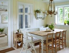 Home Shabby Home:Scandinavian country chic Shabby Home, Sweet Home, Kitchen Design, Kitchen Dining Room, Dinning Room Tables, Shabby Chic Decor, Cozy House, Home Decor, Country Kitchen