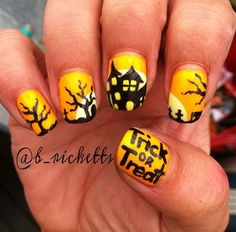 Love these Halloween nails <3