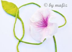 Chain of felt felted chain flower necklace pink flower от mafiz