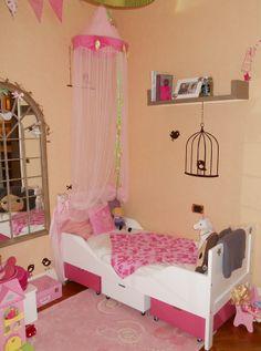 cameretta per bambina rosa