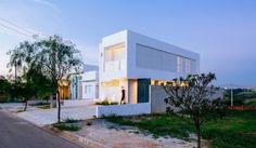 casa moderna y pequeña