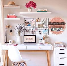 My office corner, ideal for small spaces - Sophie& Moods Mon coin bureau, idéal pour les petits espaces – Sophie& Moods My office corner, ideal for small spaces – Sophie& Moods Home Office Space, Home Office Design, Home Office Furniture, Home Office Decor, Office Designs, Home Decor, Office Ideas, Furniture Dolly, Small Office