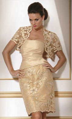can you wear a non strapless dress w/this bolero/shrug/whatever?