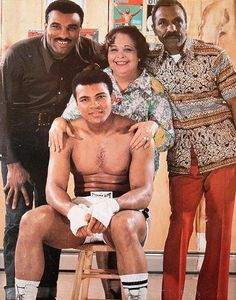 Muhammad-Ali-with-his-parents-and-brother.jpg (409×520)