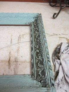 Picture frames–kinda shabby, kinda antique. DIY.
