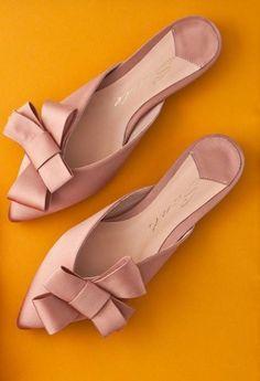 Spring vibes!! New collection SS 2018  #fashion #fashionstyle #sante #mules  #shoebizz #santeshoes #ss18collection #shoebizzworld #shoebizzsignature #shoebizzladies #shoebizzlovers •Θα τις βρείτε στο κατάστημα μας, ,Αθ.Διακου 2 , Λαμια🔝🔝 •Για παραγγελίες: ☎️☎️Τηλ.Επικ:22310-24421 •Ή με inbox📩📩 •online > www.shoebizz.gr