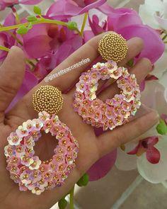 Handmade Beaded Jewelry, Brooches Handmade, Earrings Handmade, Bead Embroidery Jewelry, Fabric Jewelry, Silk Bangles, Knitted Necklace, Tatting Jewelry, Beaded Brooch
