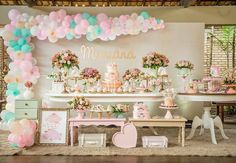 Who as this many beautiful tables? Baby Showers, Baby Shower Parties, Baby Shower Themes, Baby Shower Decorations, Butterfly Garden Party, Butterfly Birthday Party, 1st Birthday Party For Girls, Birthday Party Decorations, Candy Bar Bautizo