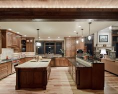 Traditional Kitchen Kitchen Peninsula Design, Pictures, Remodel, Decor and Ideas - page 34