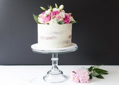 Semi Naked Cake with fresh flowers, Sugarblossom Cakes