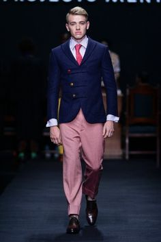 MBFW AFRICA 2013 - Projecto Mental Collection. Credit: SDR Photo Male Fashion Trends, Fashion Models, Mens Fashion, African Clothing For Men, Africa Fashion, Spring Summer, Summer 2014, Mens Suits, Pants