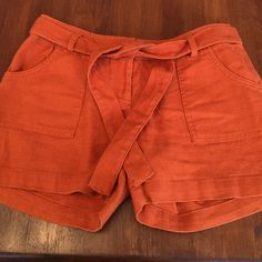 """The Limited Drew Fit Belted Shorts 55% linen, 45% cotton. These cute belted shorts are great for spring. 5"""" inseam, 4 pockets, zipper fly. The fit is called """"Sexy Drew"""" Smoke Free Home No trades please.  Like to make an offer?.. Use the offer button!   The Limited Shorts"""