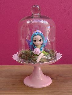 Fadinha linda em biscuit de 8,5cm.  Fairy, fairytale, fada, jardim das fadas.