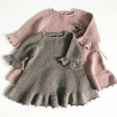 Foxglove Dress - Thimble dress pattern by Knitting for Sif - ДЕВОЧКАМ. - Foxglove Dress – Thimble dress pattern by Knitting for Sif – ДЕВОЧКАМ # - Knit Baby Dress, Knitted Baby Clothes, Knit Baby Sweaters, Baby Gown, Baby Dress Patterns, Baby Knitting Patterns, Knitting Dress Pattern, Knitting Stitches, Knitting For Kids