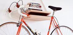 portе vélo mural en bois massif original et super pratique