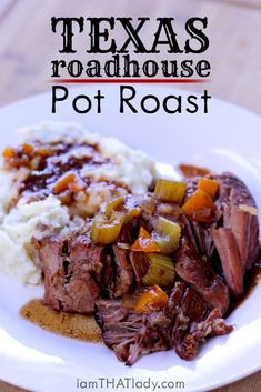 Pot Roast doesn't have to be boring! This Texas Roadhouse Pot Roast is PACKED with flavor. Pot Roast doesn't have to be boring! This Texas Roadhouse Pot Roast is PACKED with flavor. Pot Roast Recipes, Gourmet Recipes, Cooking Recipes, Crock Pot Roast, Slow Cooker Pot Roast, Chuck Roast Recipes, Dump Recipes, Pork Roast, Best Pot Roast