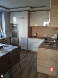 bardolino natural oak egger's - price kitchen - pictures from Martyna Polanis - Kitchen - Modern Style - Martyn Polanis Kitchen Dinning, Kitchen Sets, Kitchen Layout, Home Decor Kitchen, Kitchen Furniture, New Kitchen, Home Kitchens, Office Furniture, Best Kitchen Designs