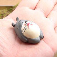 4.5 cm del anime Hayao Miyazaki mi vecino Totoro sleeping figuras de resina juguetes clásicos para el regalo del cabrito(China (Mainland))