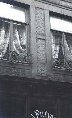 Maastricht. Gevelsteen 'In den Rosenobel,' Muntstraat 48.