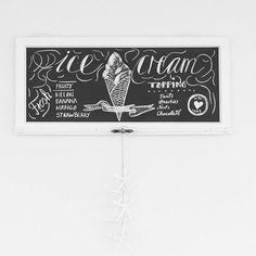 ein TRAUM dieses wetter ☉☉☉☉☉☉☉☉☉  perfekt für ICE CREAM!  .  .  .  #chalkart #chalkboard #chalkboardlover #letterlover #diychalkboard #diyblogger #diy #handlettering #handfonttype #instalettering #buchstabenliebe #icecream #homemade #homemadeicecream #shabby #selbstgemacht #happyfriday #happyevening #thatsdarling #chalk #kreide #designinspiration #swissblogger #schweizerblog #picturelover  #terrassenkonfetti #diyproject #happyweekend #blackboard #chalkboarddesign