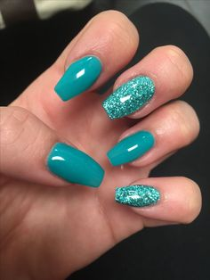Want to know how to do gel nails at home? Learn the fundamentals with our DIY tutorial that will guide you step by step to professional salon quality nails. Turquoise Acrylic Nails, Aqua Nails, Blue Glitter Nails, Long Acrylic Nails, Green Nails, Ocean Blue Nails, Fancy Nails, Cute Nails, Pretty Nails