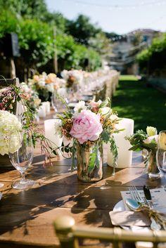 #hydrangeas, #peony, #centerpiece  Photography: J. Cogliandro Photography - jcogliandrophotography.com Event Planning: Keely Thorne Events - keelythorne.com Floral Design: Merveille Flowers - merveilleevents.com/  Read More: http://stylemepretty.com/2013/04/15/austin-wedding-from-j-cogliandro-photography/