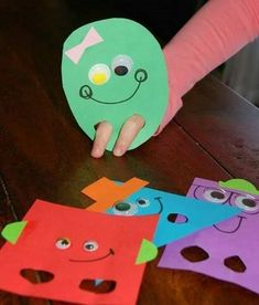 Teaching shapes to kindergarten is part of many standards based curriculums. I wanted to share creative ways for teaching shapes in kindergarten. Kindergarten Math, Classroom Activities, Toddler Activities, Learning Activities, Preschool Activities, Shape Activities Kindergarten, 2d Shapes Activities, Teaching Resources, 2d And 3d Shapes