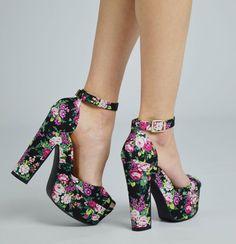I want them! :D