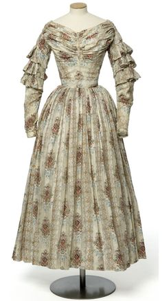 Summer dress, ca 1840 France, Les Arts Décoratifs