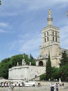 Cathédrale Notre-Dame-des-Doms d'Avignon, France