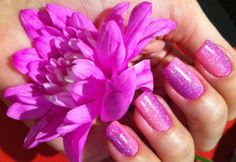 Pink and purple gradient manicure - somanylovelythings.com
