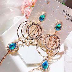 Jewelry Design Earrings, Ear Jewelry, Cute Jewelry, Jewelery, Unique Jewelry, Kawaii Accessories, Jewelry Accessories, Fashion Accessories, Fashion Jewelry