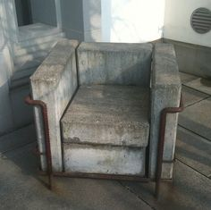 Le Corbusier chair in concrete and steel (by Simon Aughton, via Flickr)