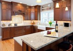 (paid link) Unlike lightbrown cabinets,kitchen with dark wood cabinetsadd to the appeal of anykitchendesign with less natural light. With recessed lighting,dark wood... Oak Kitchen Cabinets, Kitchen Cabinet Design, Kitchen Redo, Modern Kitchen Design, Kitchen Countertops, Kitchen Backsplash, Granite Kitchen, Cherry Cabinets, Cheap Kitchen