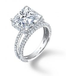 In love with this princess cut! 3 carats??? Yes, please!